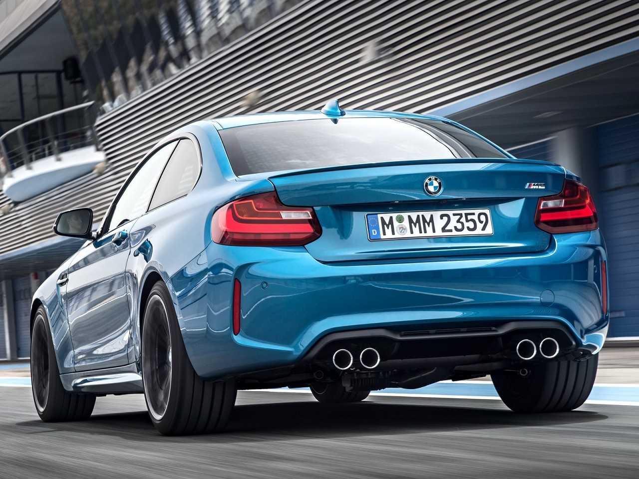 BMWM2 2016 - ângulo traseiro