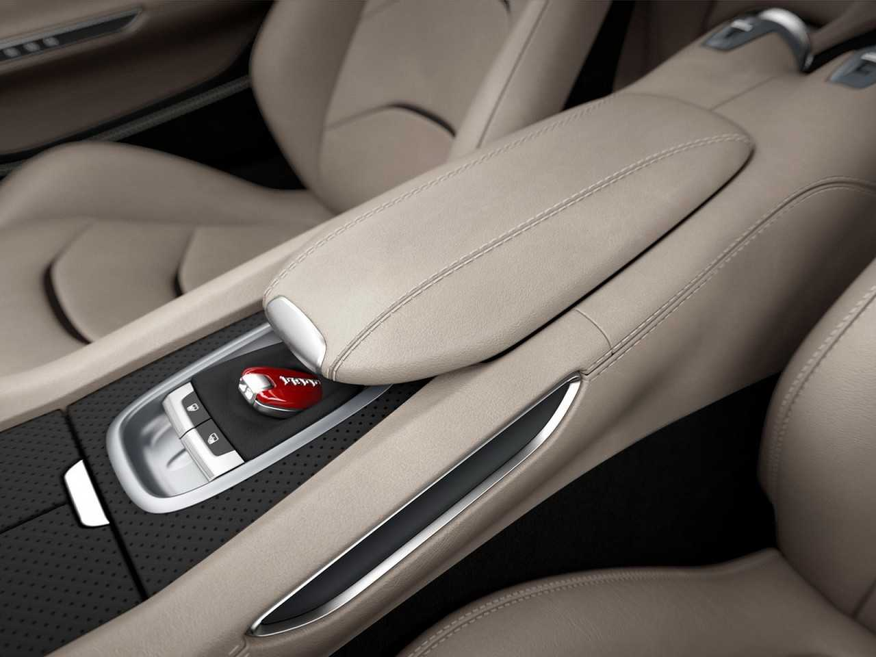 FerrariGTC4Lusso T 2016 - console central