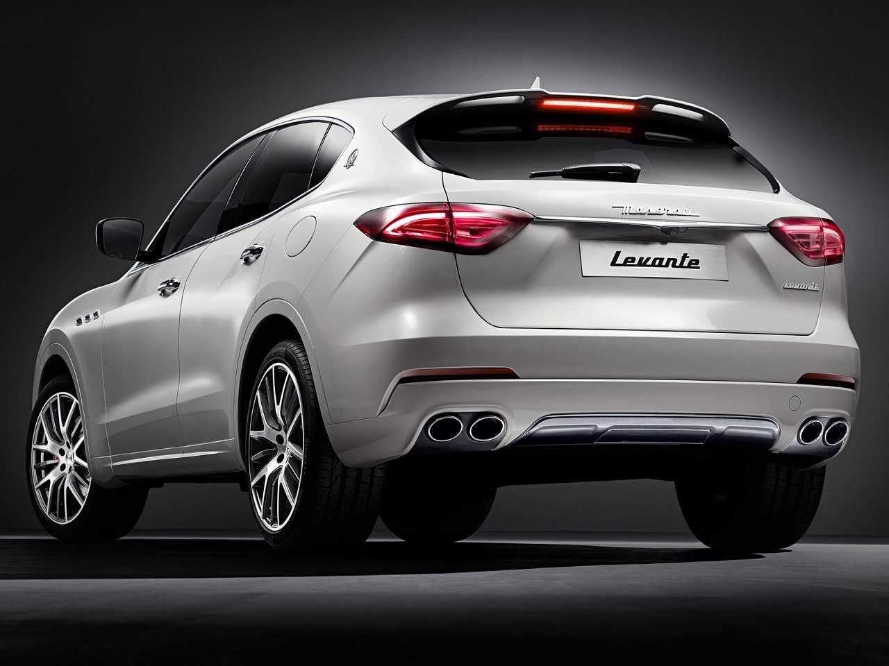 MaseratiLevante 2017 - ângulo traseiro