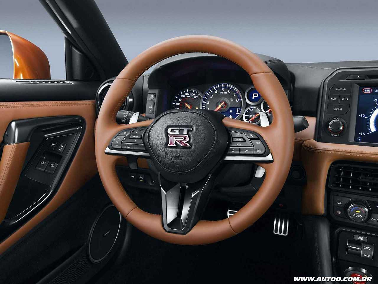 NissanGT-R 2017 - volante