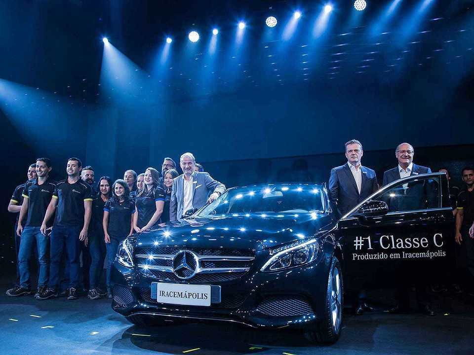 Primeira unidade do Mercedes-Benz Classe C produzida no Brasil