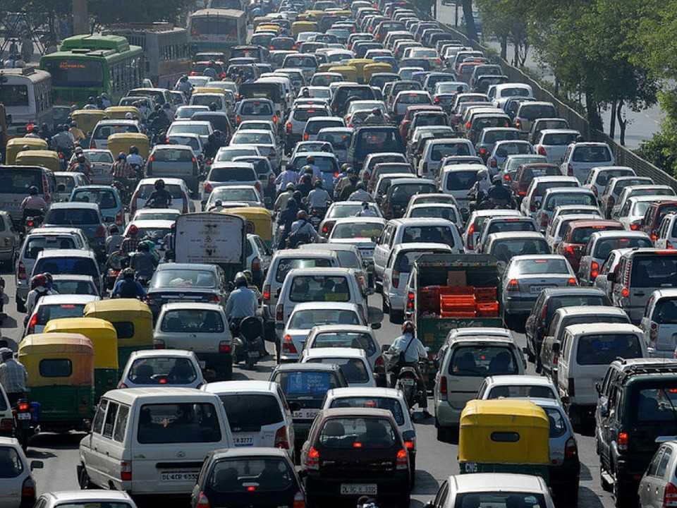 Trânsito congestionado é praga mundial, não importa a riqueza de uma cidade