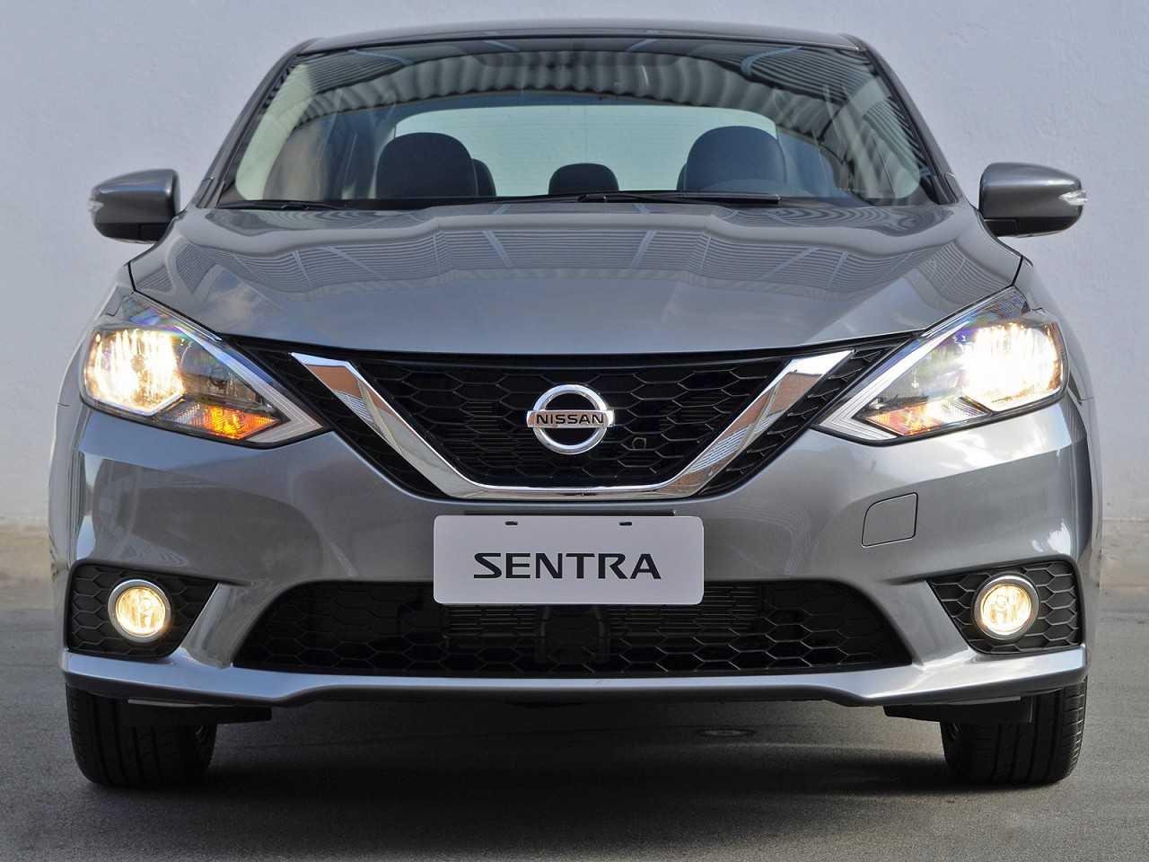 NissanSentra 2017 - frente