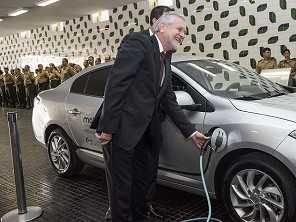 Exército brasileiro avalia uso do carro elétrico
