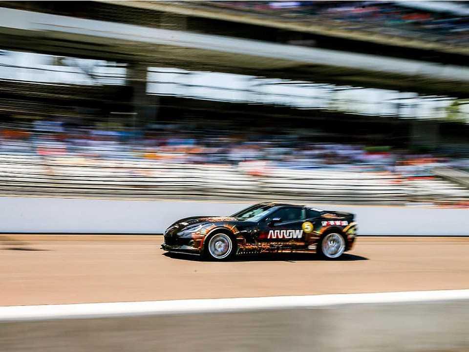 Chevrolet Corvette Z06 conduzido pelo tetraplégico Sam Schmidt, que atingiu 245 km/h