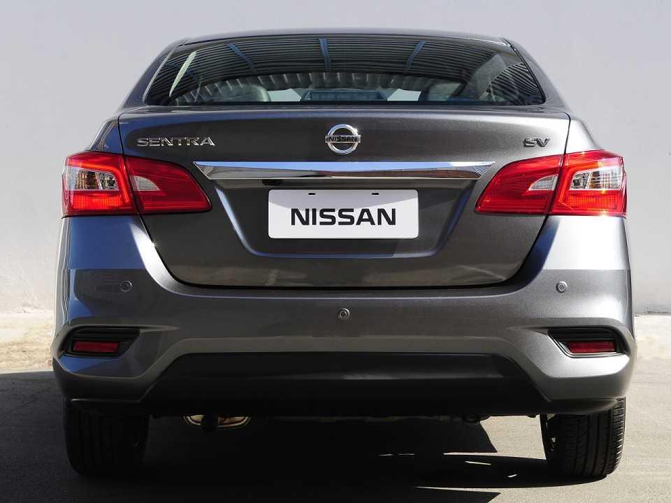 NissanSentra 2017 - traseira
