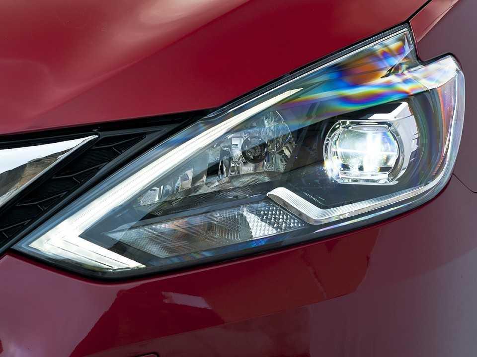 NissanSentra 2017 - faróis