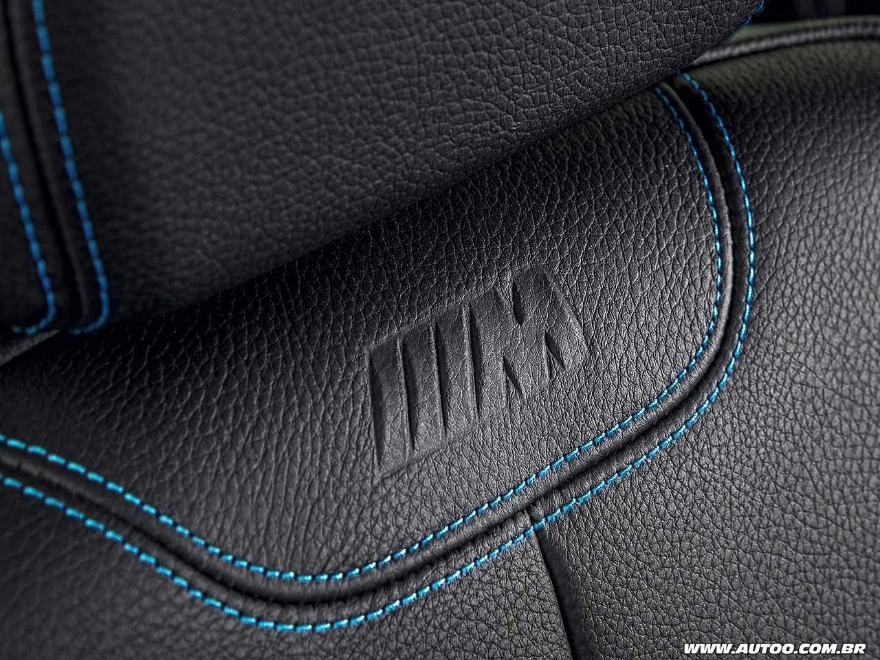 BMWM2 2017 - bancos dianteiros