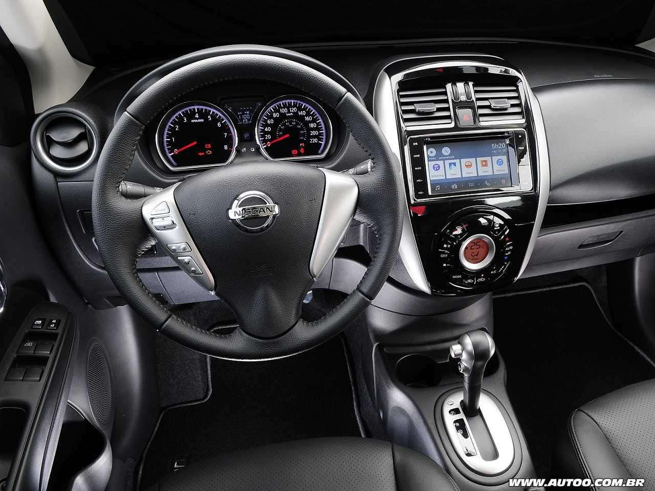 NissanVersa 2017 - painel
