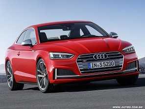 Audi mostra a nova geração do A5 e S5
