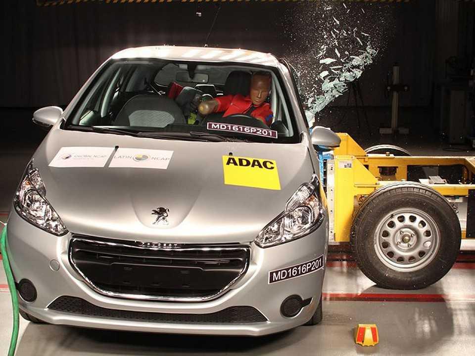 Peugeot 208 em avaliação do Latin NCAP