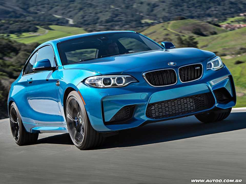 BMW M2 2017 - ângulo frontal