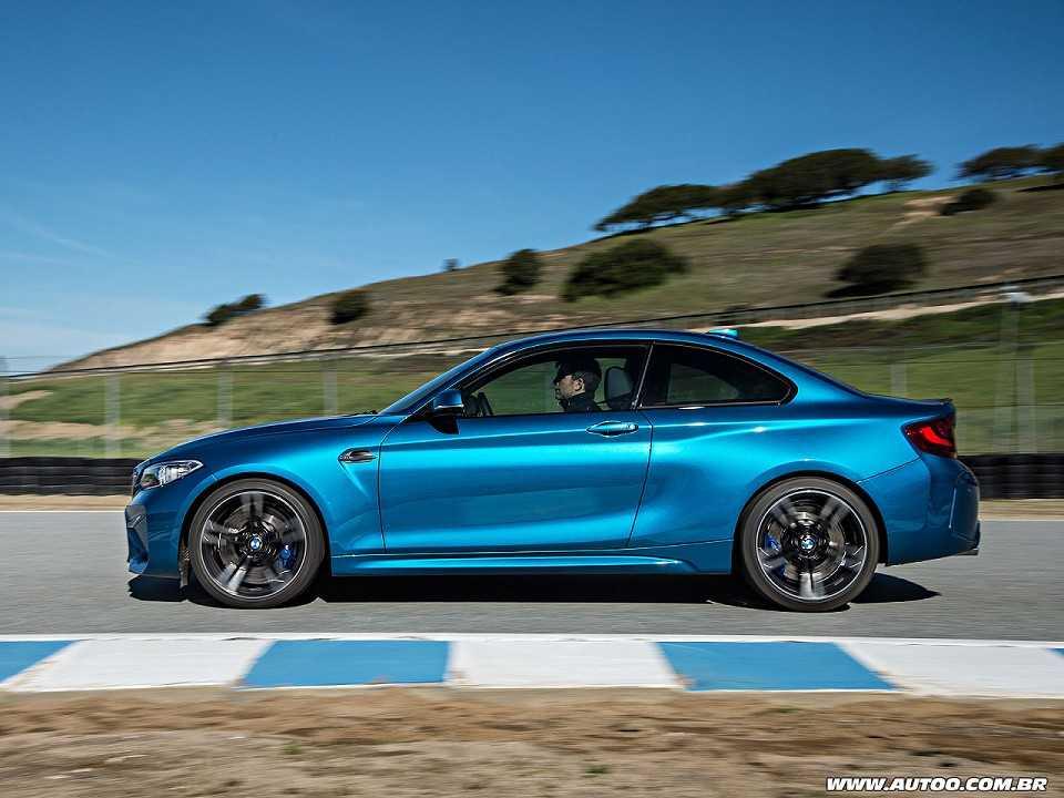 BMWM2 2017 - lateral