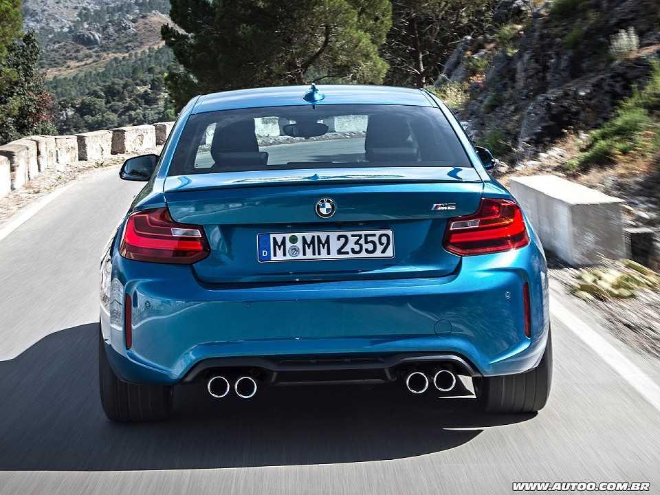 BMWM2 2017 - traseira