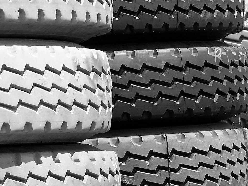 Verifique a pressão dos pneus: ela pode sofrer alterações em dias de mudanças bruscas de temperatura