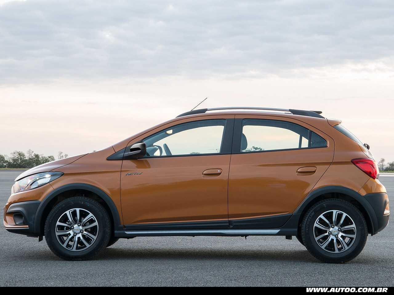 ChevroletOnix 2017 - lateral