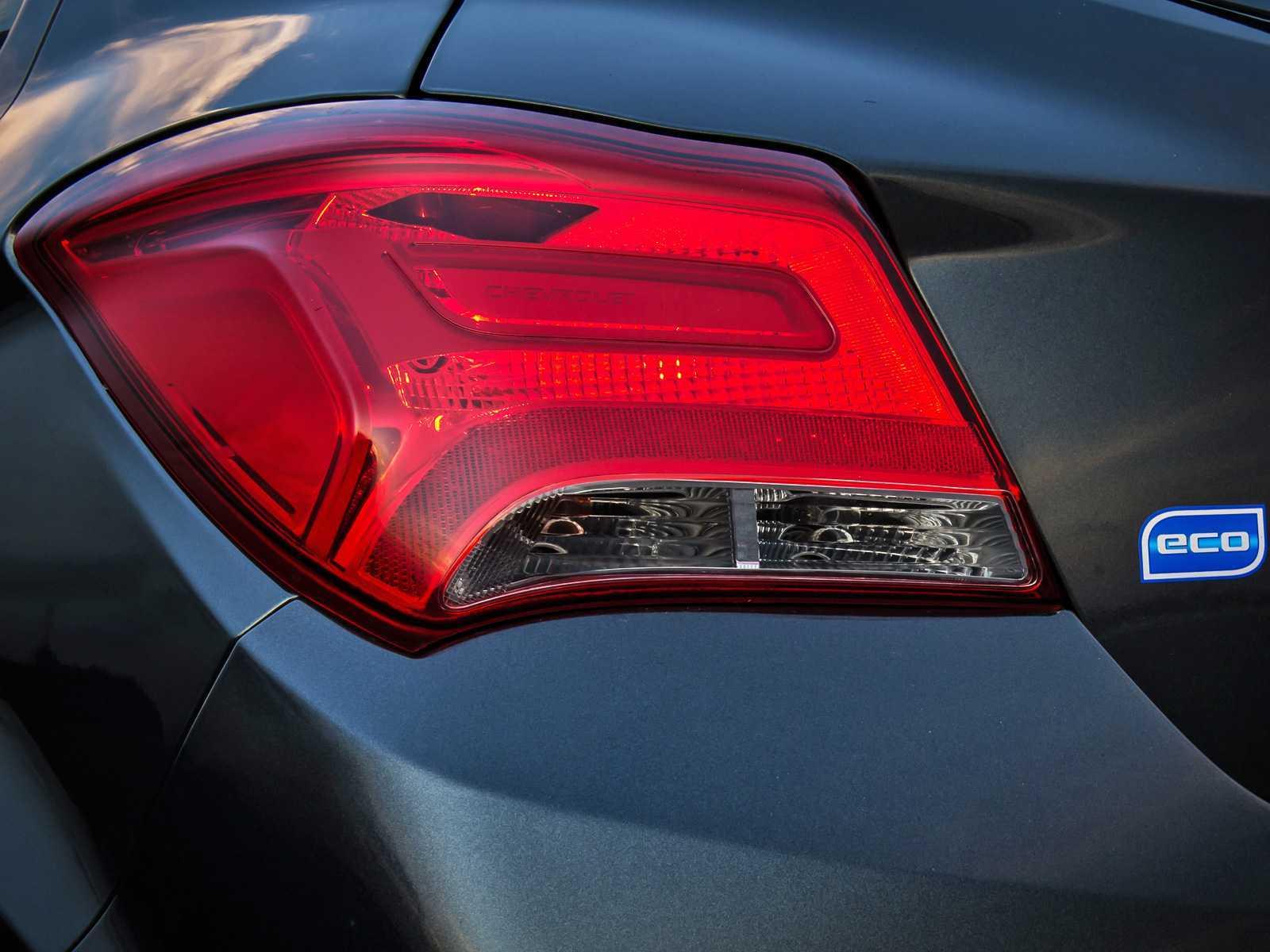 ChevroletOnix 2017 - lanternas