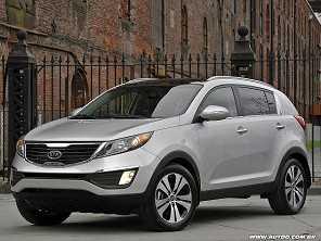 SUVs seminovos: um Kia Sportage 2014 ou um Peugeot 2008 2016?
