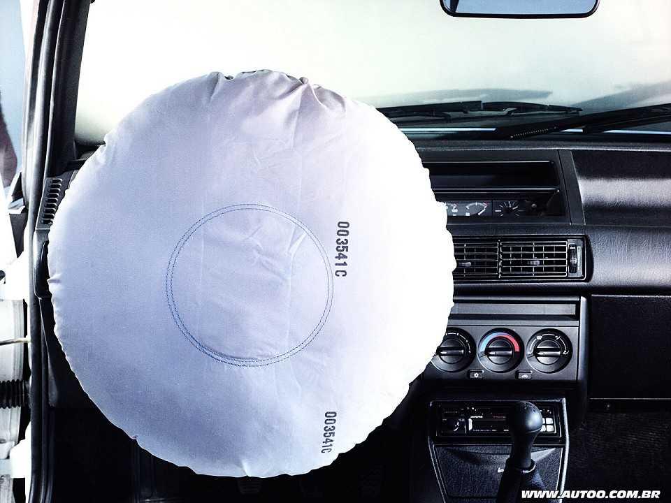 O Fiat Tipo de 1996 foi o primeiro carro nacional a oferecer airbag