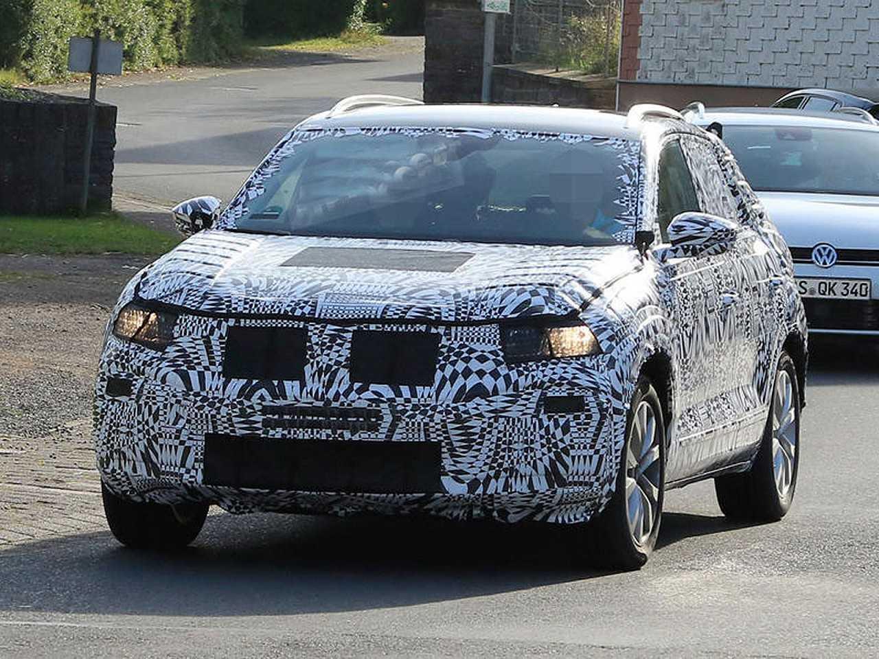 Futuro SUV compacto da Volkswagen em teste
