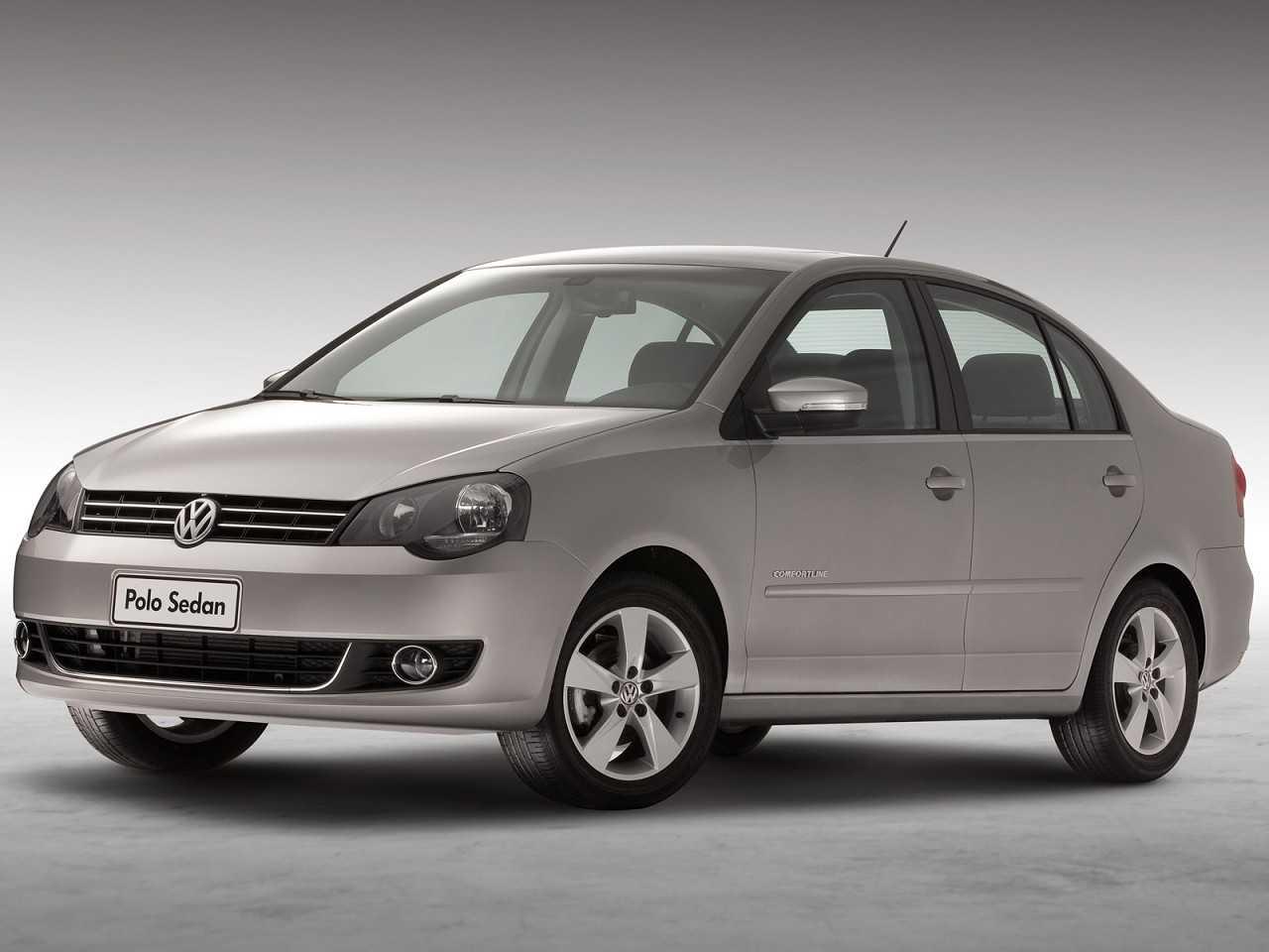 VolkswagenPolo Sedan 2014 - ângulo frontal