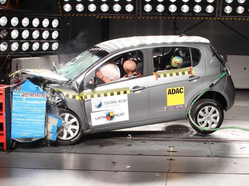 Fiat Palio volta a ser testado pelo Latin NCAP