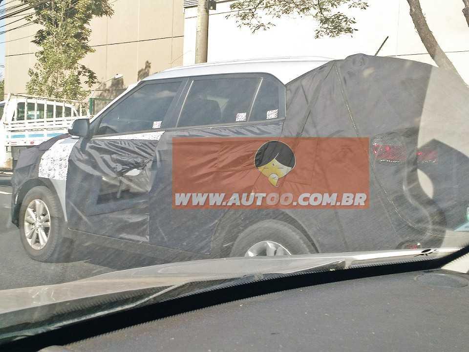 O SUV compacto da Hyundai, ix25, é flagrado perto da fábrica de Piracicaba, no interior de São Paulo