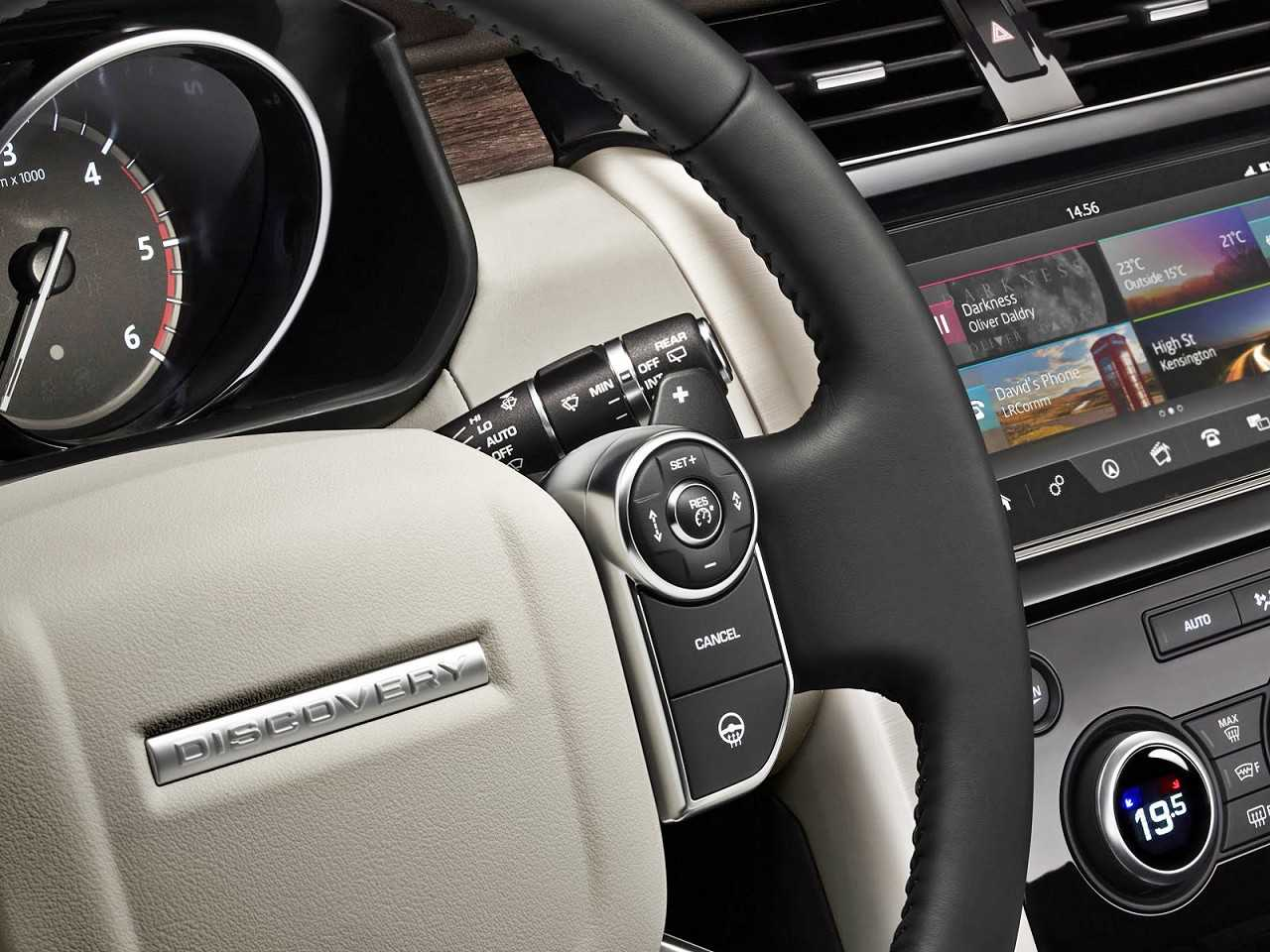 Land RoverDiscovery 2018 - volante