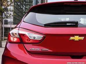 Nova geração do Chevrolet Cruze Sport6 estreia em novembro