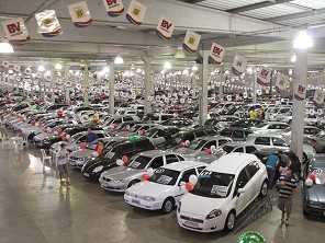 Em SP, serviço gratuito ajuda a evitar prejuízos na hora de comprar um carro usado