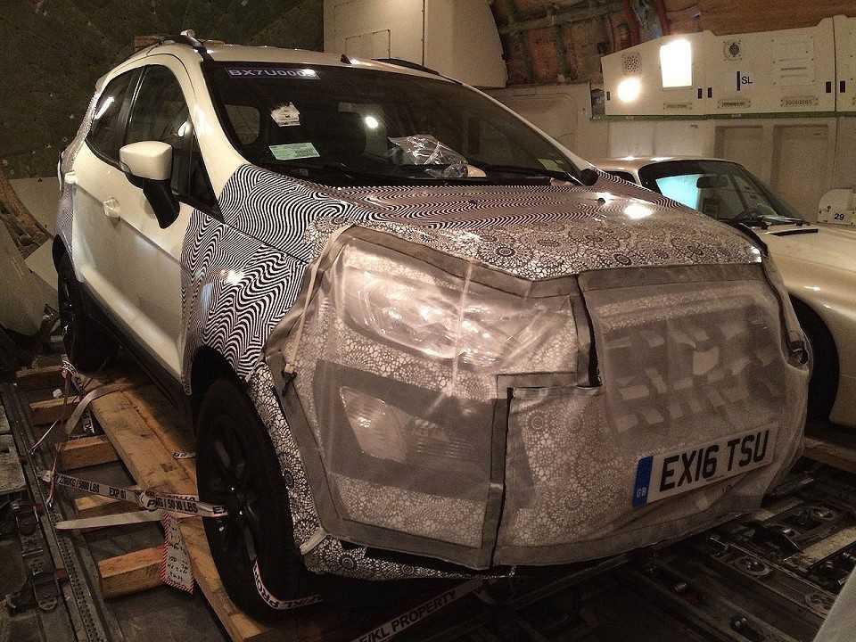 Facelift do Ford EcoSport flagrado na Europa
