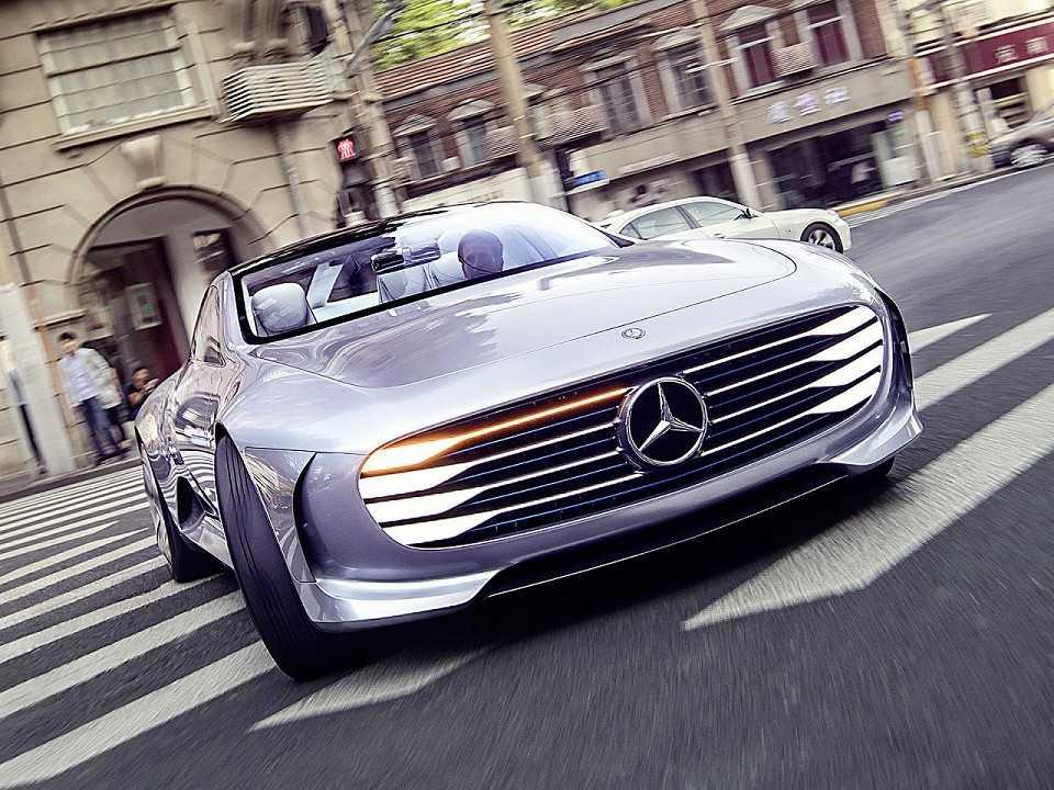 Mercedes-Benz trabalha em superesportivo