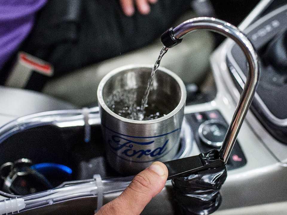 Sistema On-The-Go H2O criado por dois engenheiros da Ford