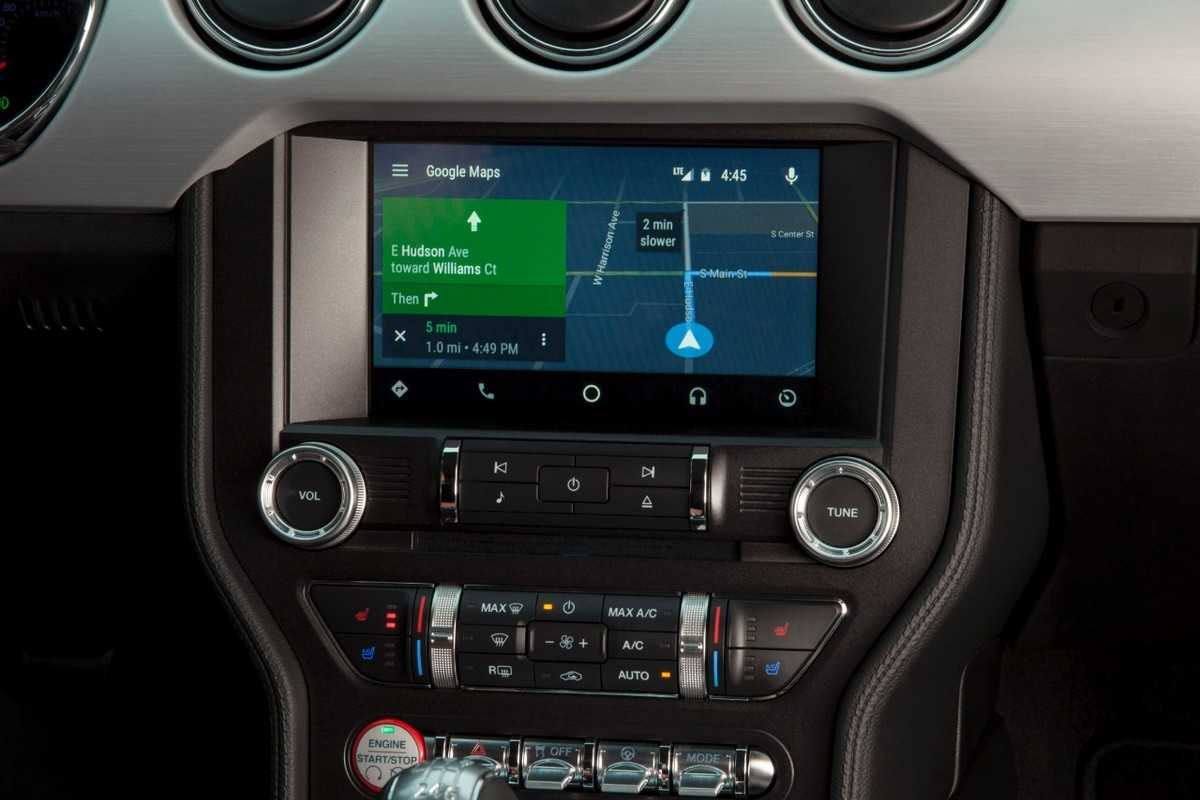 Ford SYNC 3 com sistemas Android Auto e CarPlay