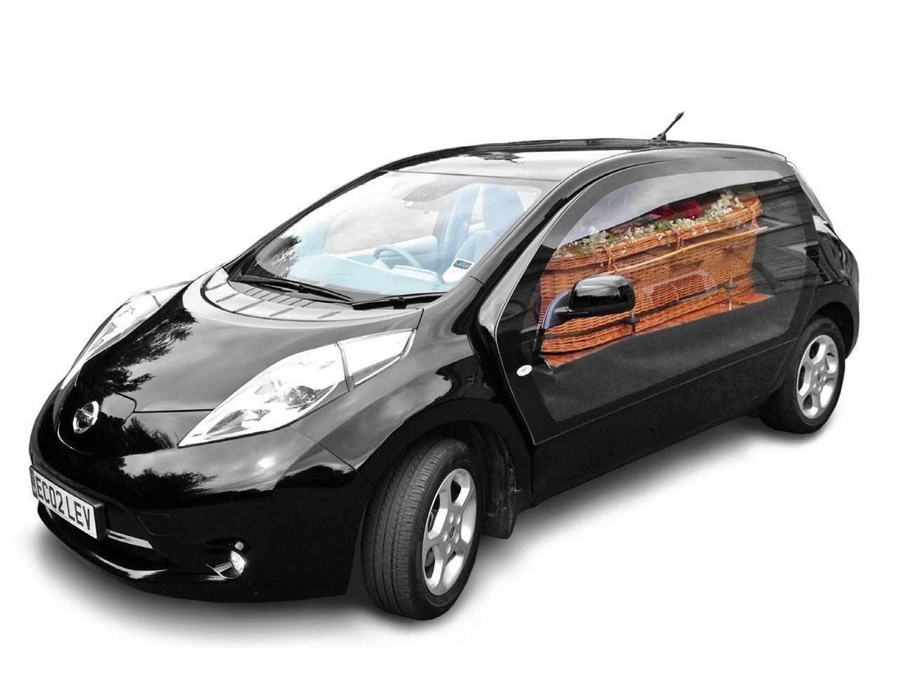 O Nissan Leaf transformado em rabecão: funeral ecológico
