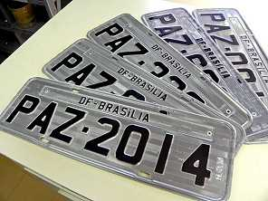 Como conseguir um carro com placa personalizada