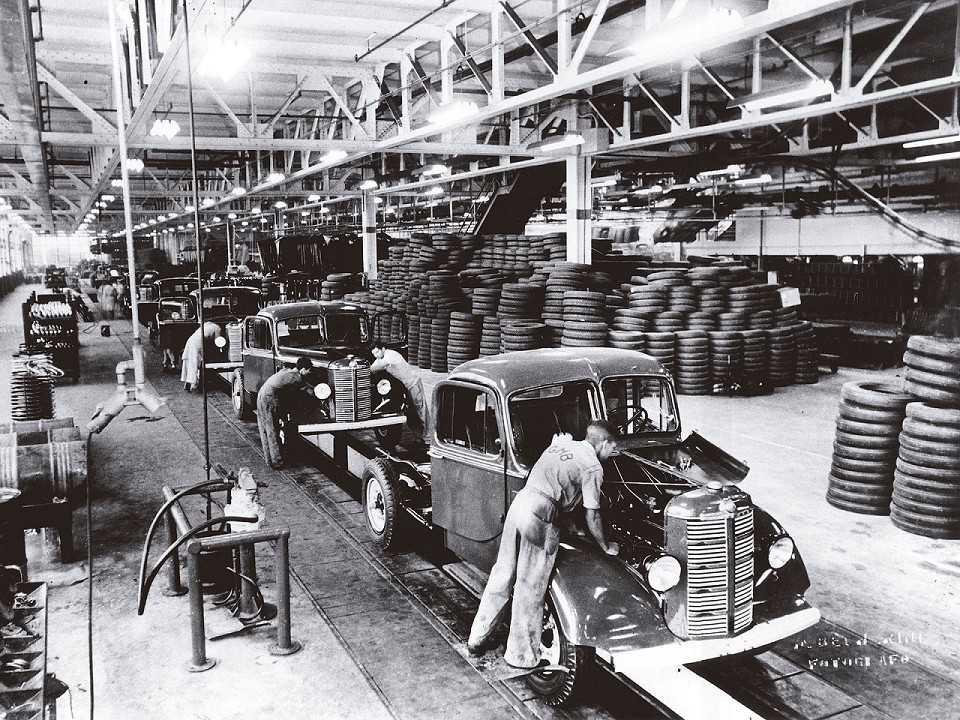 Início da produção da GM no Brasil