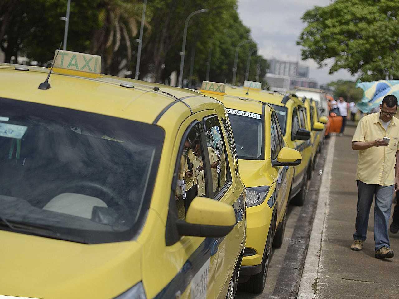 Votação no Senado mobilizou taxistas e motoristas de aplicativos
