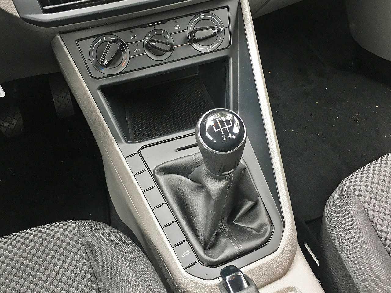 VolkswagenPolo 2018 - câmbio