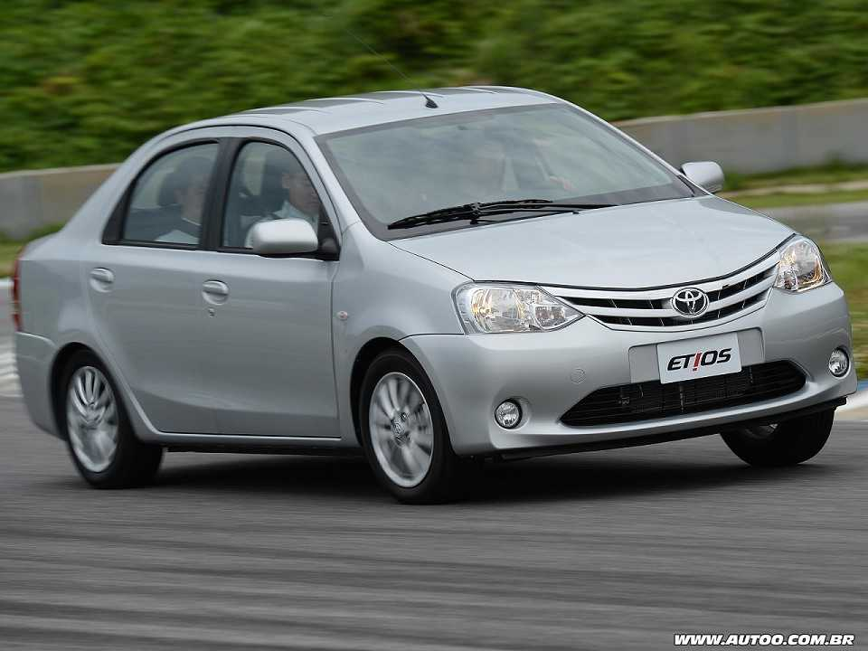 Toyota Etios Sedã 2013