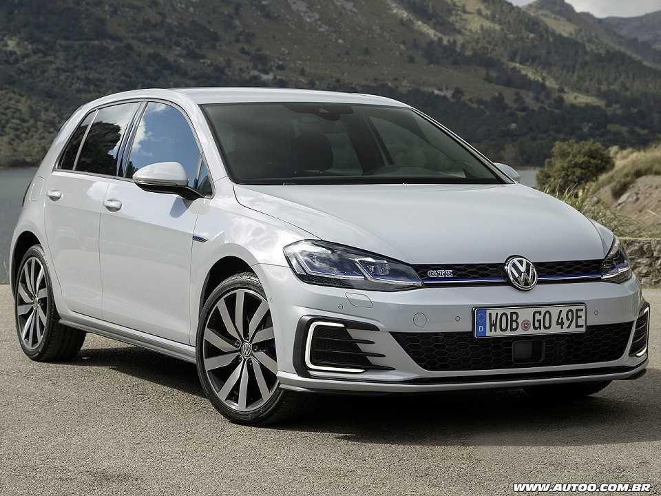 6944a7a8e9972 Novo VW Golf estreia em 2019 com versão híbrida - AUTOO