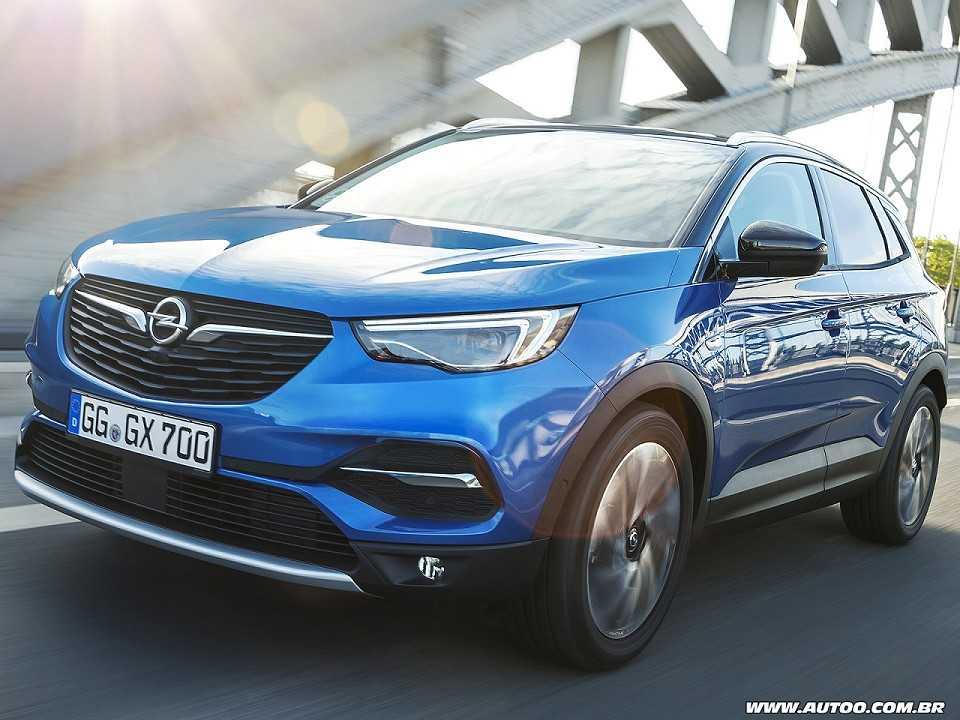 Acima o Opel Grandland X, um dos modelos mais recentes da marca e que terá versão híbrida