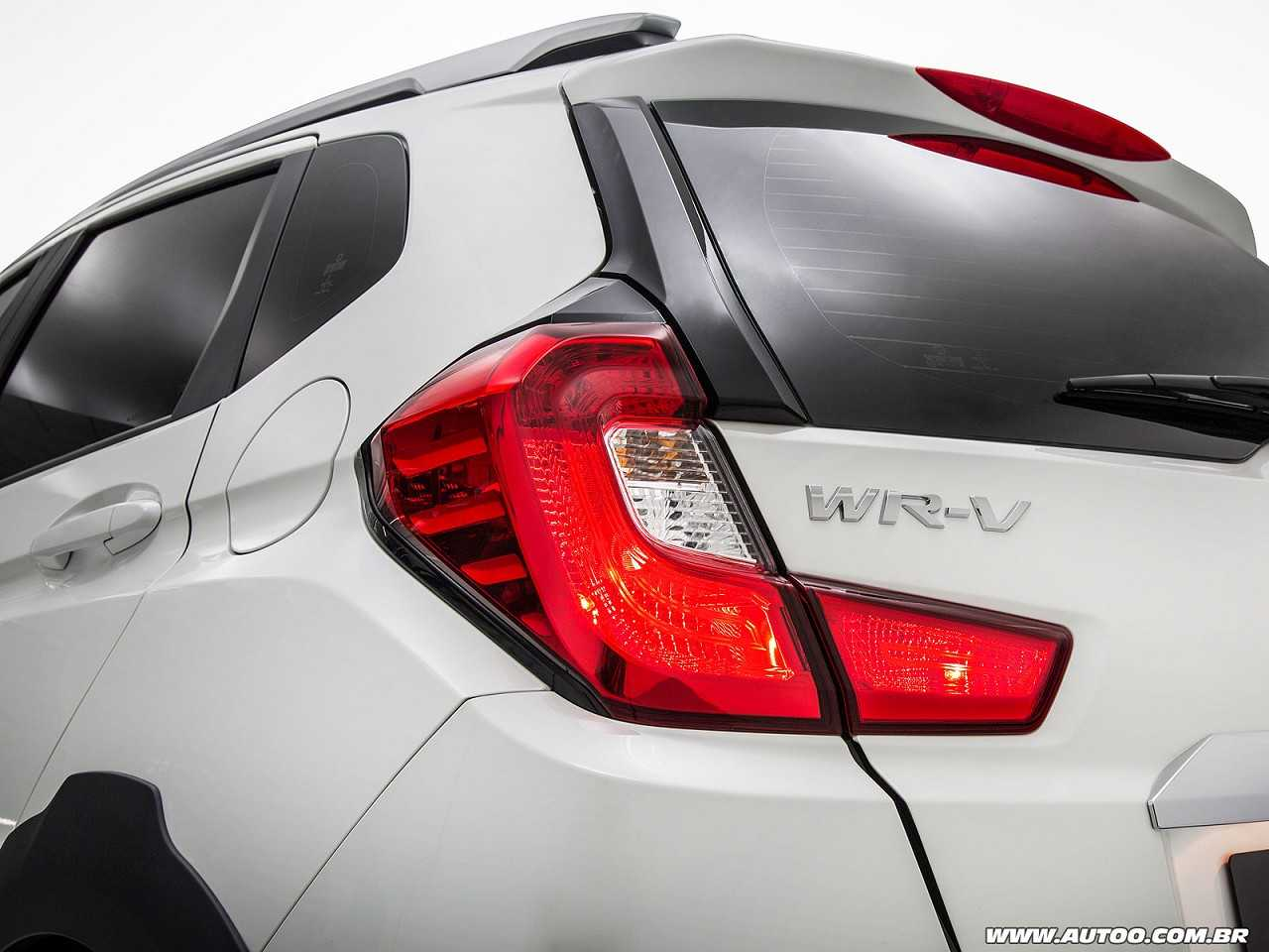 HondaWR-V 2017 - lanternas