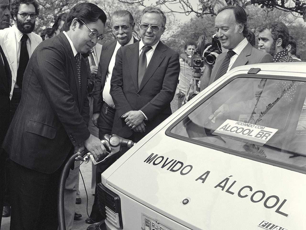 Antes dos flex, o Próalcool incentivou os carros movidos apenas a etanol no país
