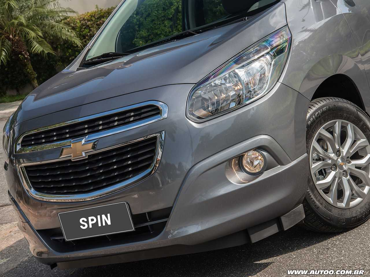 chevrolet spin facelift with 381 8 on Chevrolet Cars At Auto Expo 2016 together with Chevrolet Enjoy Range Now Starts At Rs 4 99 Lakh In India besides Chevrolet Spin 2017 Facelift Spin likewise 2019 Chevrolet Spark Activ Hatchback also Chevrolet Spin Evolue Douceur Amerique Sud.