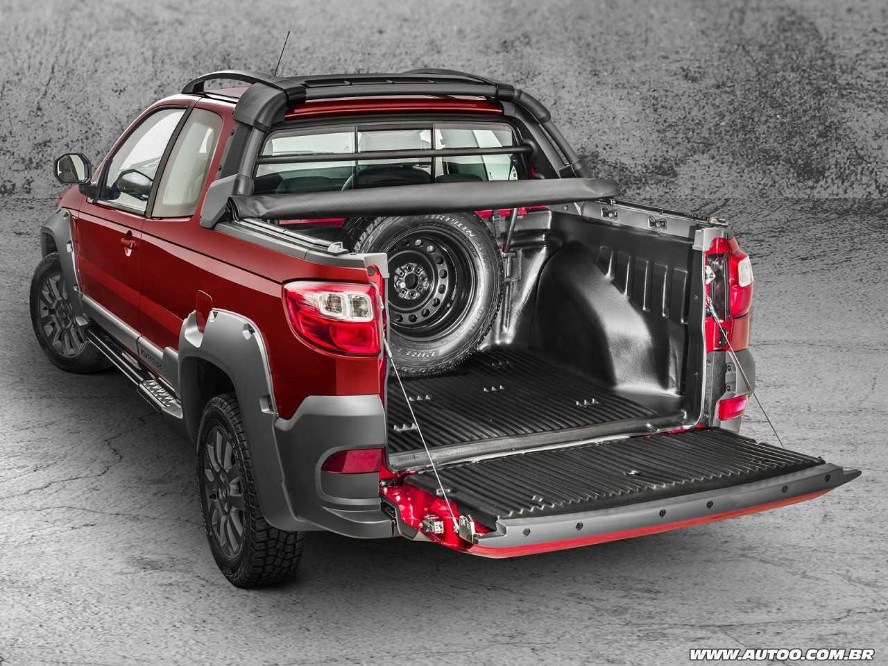 FiatStrada 2017 - porta-malas