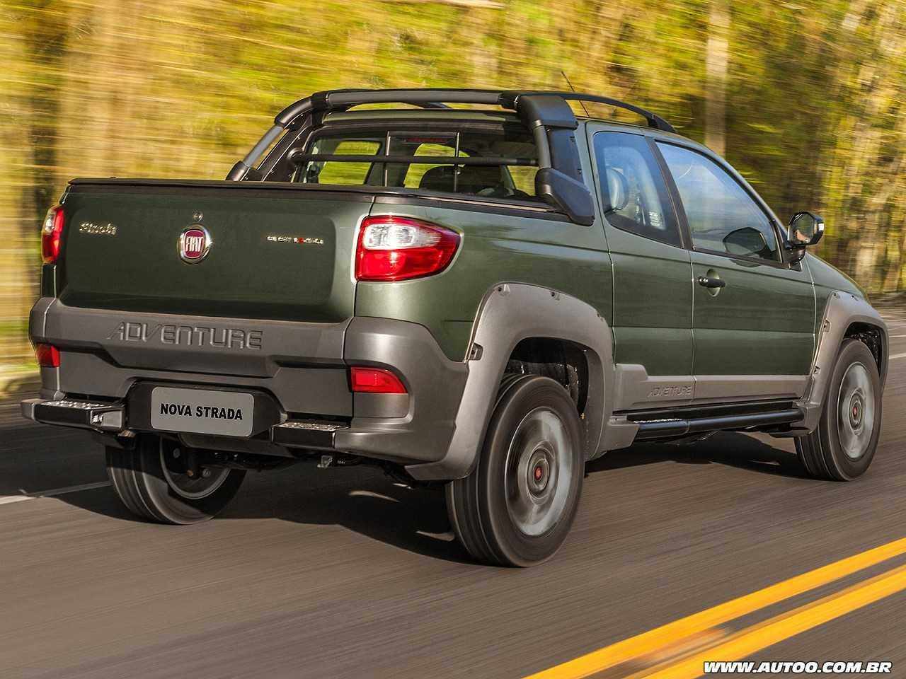 FiatStrada 2017 - ângulo traseiro