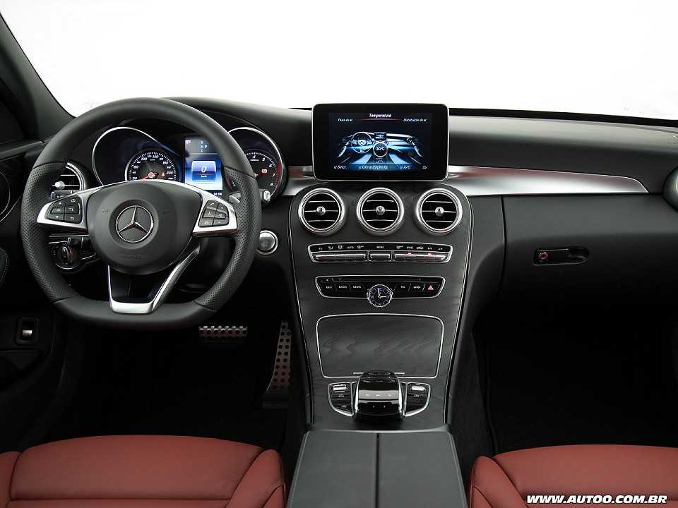 Mercedes-Benz Classe C inaugura câmbio de 9 marchas no Brasil - AUTOO