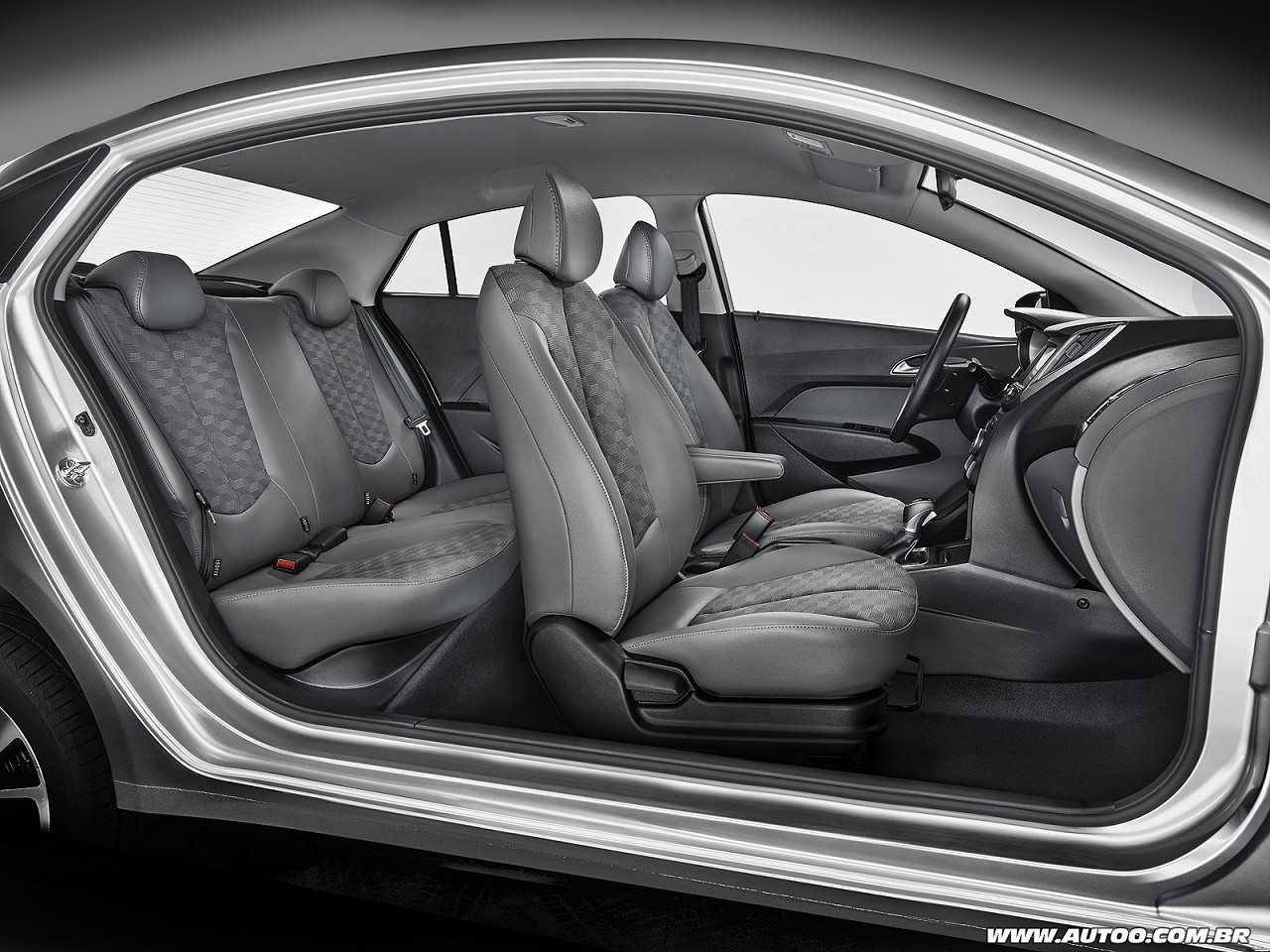 HyundaiHB20S 2018 - outros