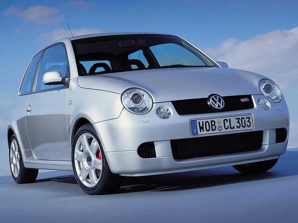 Acima o Volkswagen Lupo, uma tentativa da marca alemã de criar um carro de baixo custo